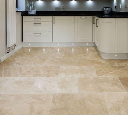travertin reinigen keukenvloer