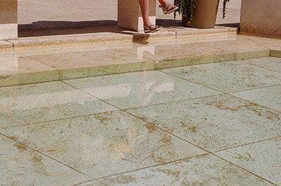 natuursteen vloer polijsten